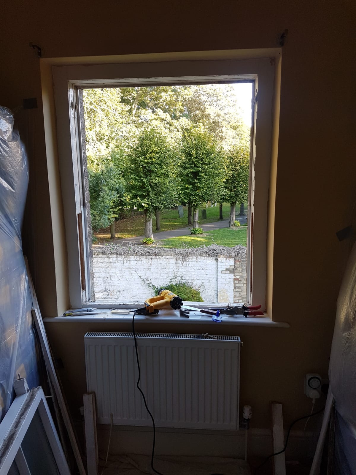 A sash window during overhaul and repair
